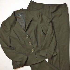 Lafayette 148 Olive Green Two Piece Pants Suit